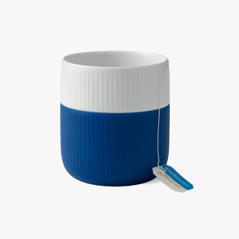 mug en porcelaine protection silicone de couleur 33cl bleu klein nous. Black Bedroom Furniture Sets. Home Design Ideas