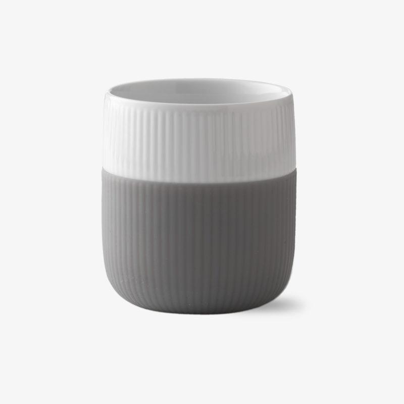 mug-en-porcelaine-protection-en-silicone-de-couleur-33cl-gris-elephant