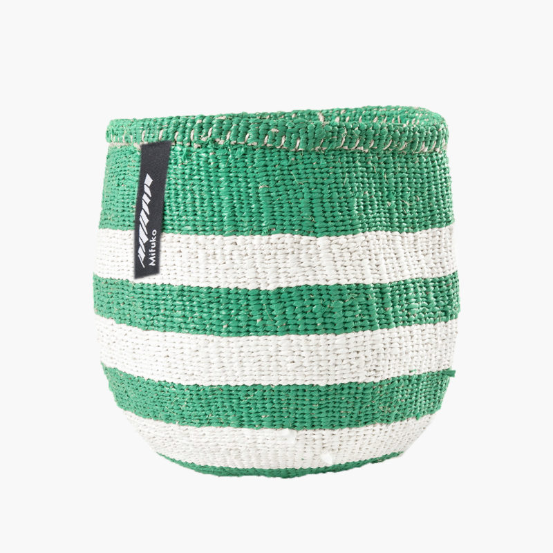 panier-kiondo-tresse-a-la-main-petit-modele-rayures-vert-et-blanc