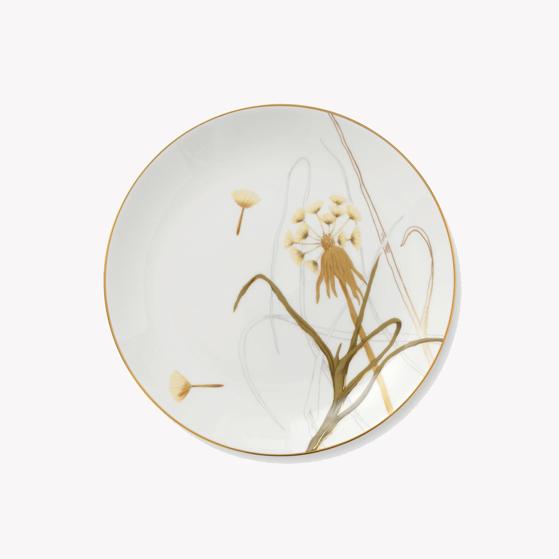 petite assiette en porcelaine motif fleur d 22cm. Black Bedroom Furniture Sets. Home Design Ideas