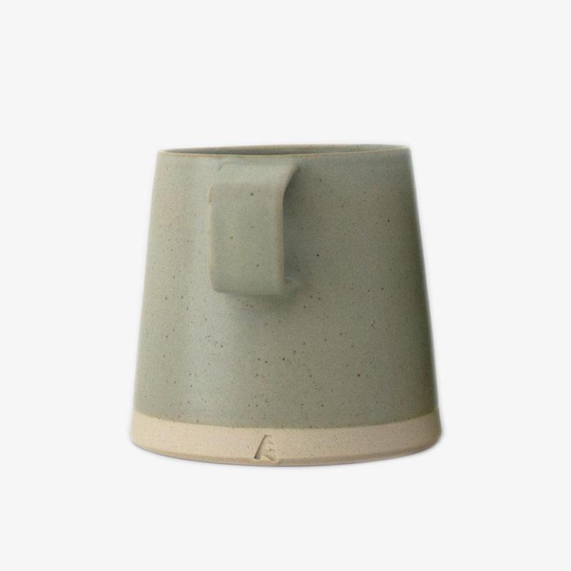 tasse-in-arran-st-east-gris-taupe-1-3