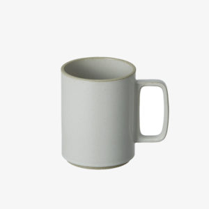 grande tasse en porcelaine japonaise gris clair - Hasami - wabi sabi japon