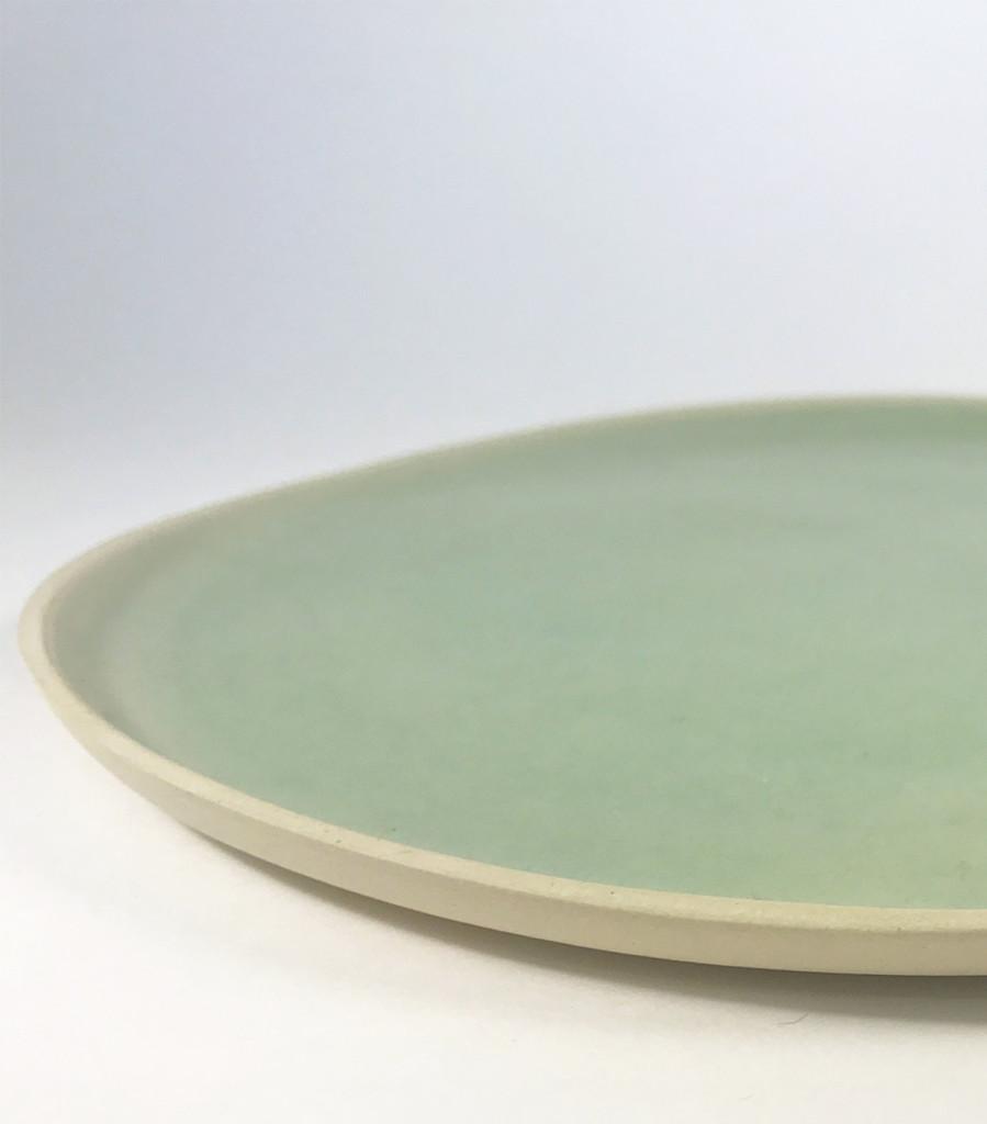 assiette plat vaisselle céramique céladon vert Laurette Broll