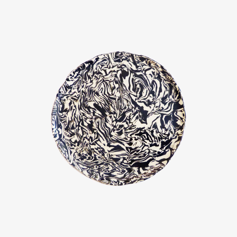 petite assiette plate en terre m l e d apt d 21cm noir et blanc nous. Black Bedroom Furniture Sets. Home Design Ideas