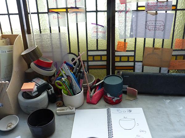 atelier de marion graux céramiste - table de travail