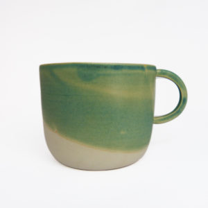 Grande-tasse-anse-ronde-gres-email-turquoise-v1