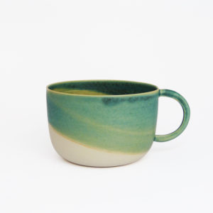 Petite-tasse-anse-ronde-gres-email-turquoise-v1