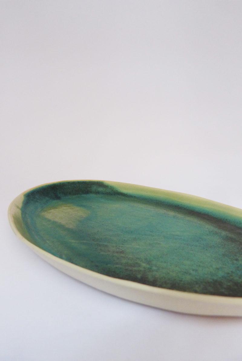 Plat à poisson ovale en grès vert- Margot Lhomme