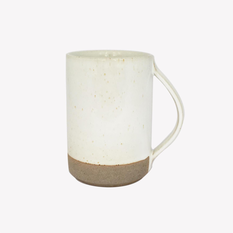 grand mug en grès émaillé blanc et ivoire - les Guimards