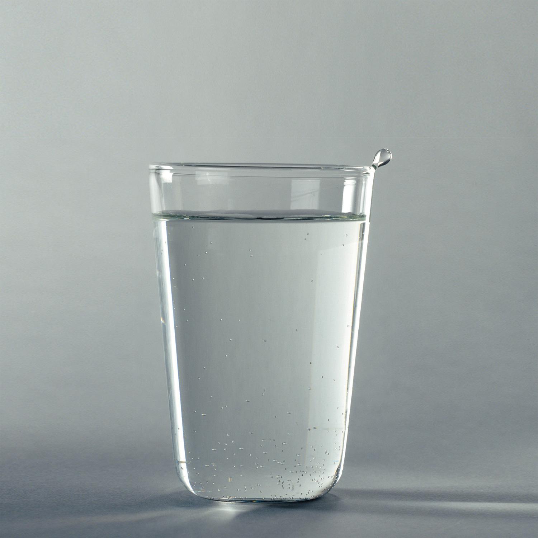 Verre à eau goutte Laurence Brabant