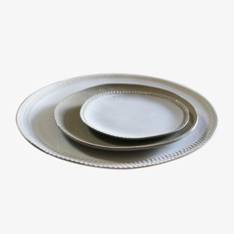 Assiette-grande-plate-en-gres-gravee-v1-1