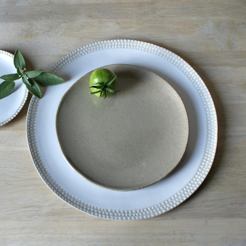 Assiette-moyenne-en-gres-v1