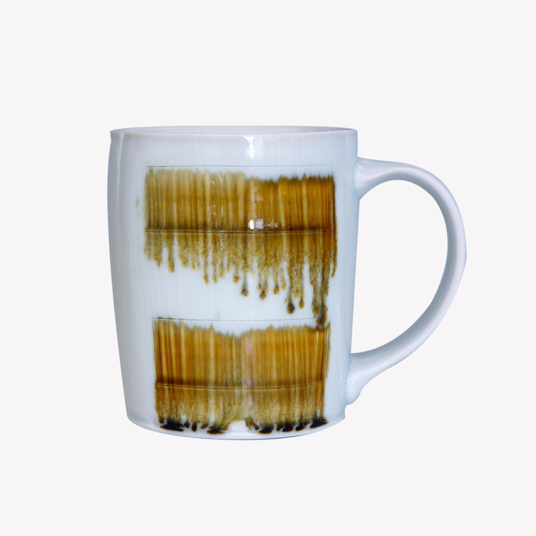 Mug avec anse en porcelaine - avec traces brun - Billy Allen