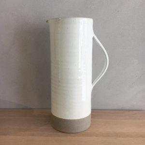 Pichet basic 1L en grès émaillé blanc Les Guimards