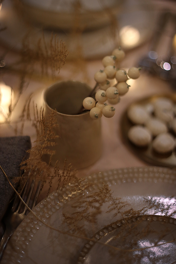 Table de Noel or et blanc