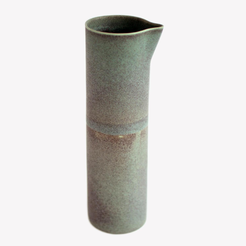 pichet en porcelaine émail Celadon cuivre foncé - Ulrike Weiss