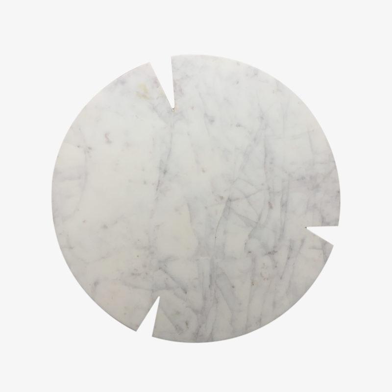 Grande-planche-ronde-en-marbre-blanc-v1