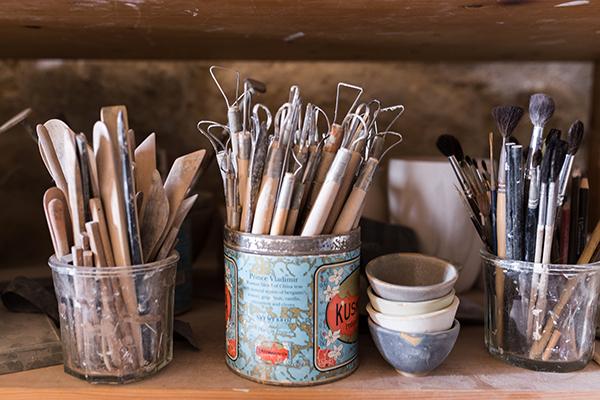 outils atelier conflans céramiste artisan créateur Emmanuelle Manche
