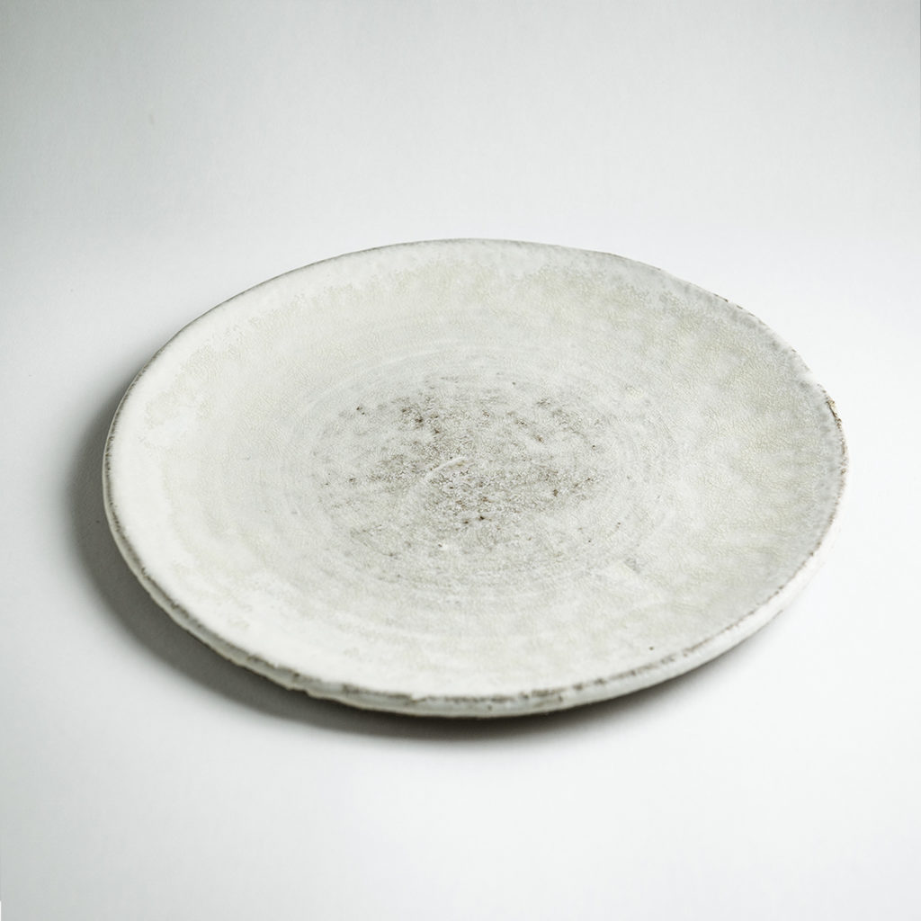 Jerome-Hirson-assiette-gres-emaille-blanc-v1