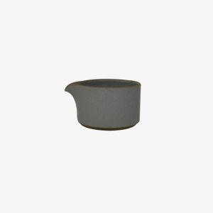 hasami-pot-a-lait-gris-clair-porcelaine-v1