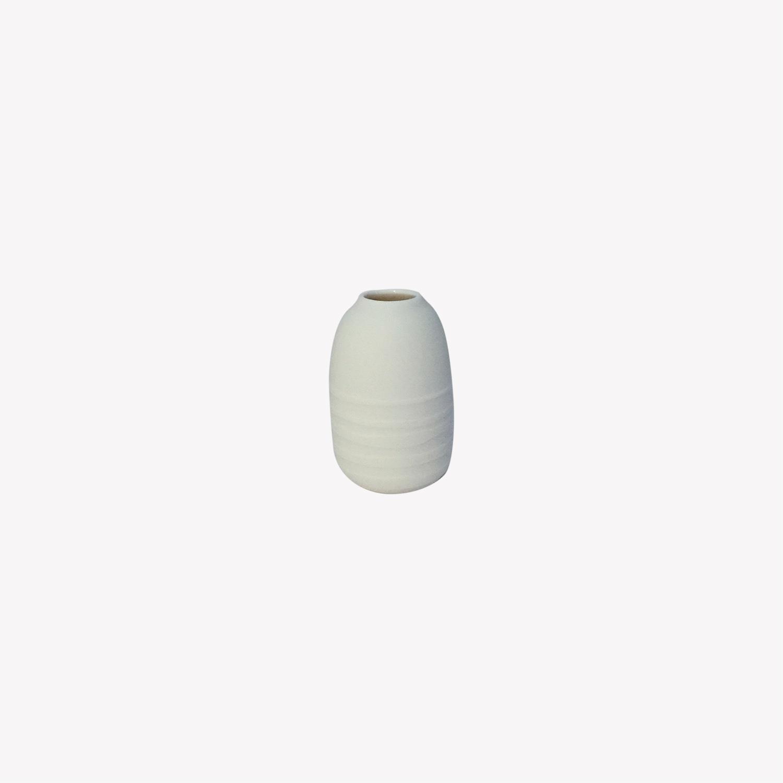 nous paris, petit vase soliflore en porcelaine blanc horizon, Kaolin'e