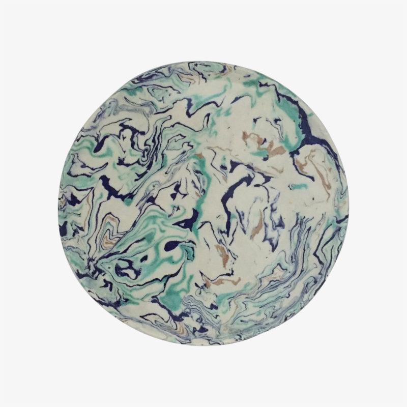 Pascale-Mestre-plat-rond-bords-irreguliers-celadon