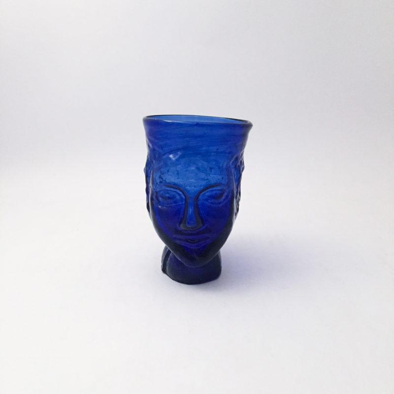 La-Soufflerie-verre-anthropomorphe-verre-souffle-bleu-v1