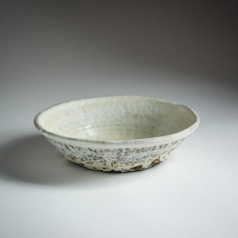 Jerome-Hirson-assiette-creuse-gres-emaille-blanc-v1