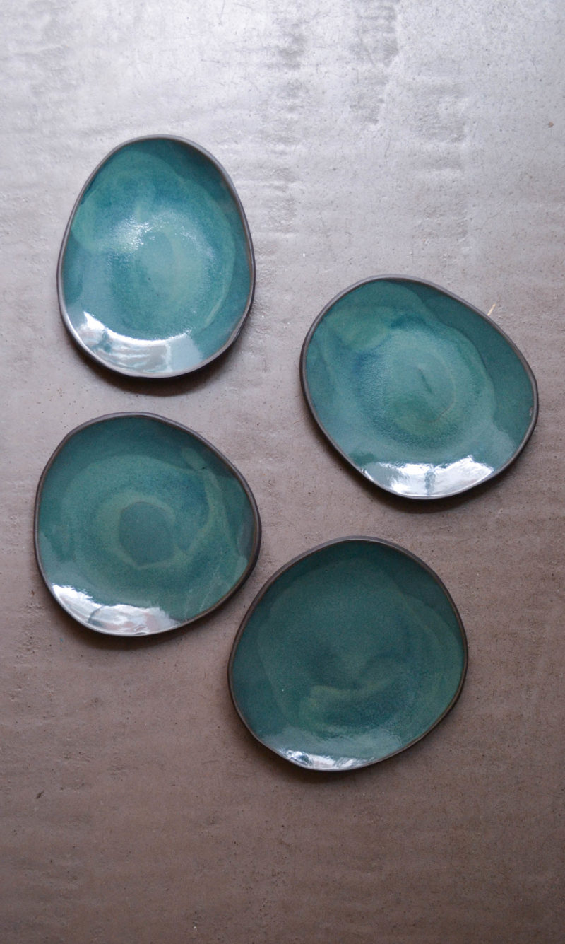 nous paris, grande assiette en grès émaillé vert jade, hana karim