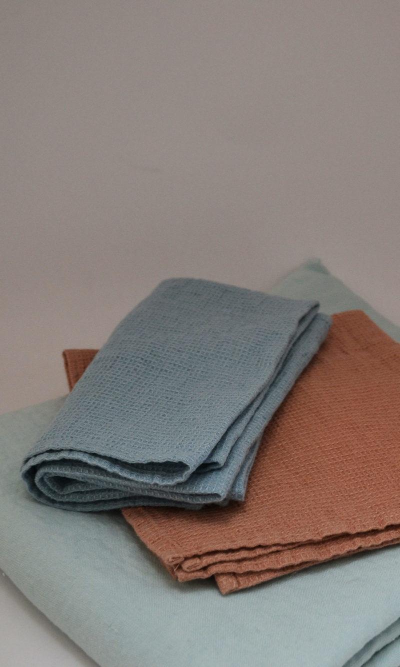 nous paris, nappe et serviette bleu moka, linge particulier