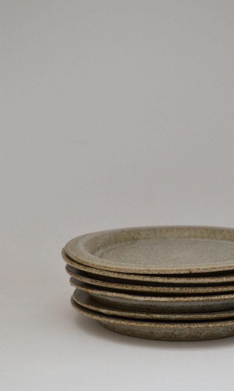 nous paris, petite assiette en grès émaillé gris, hannah blacksmith