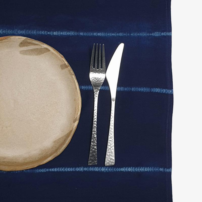 Tensira-set-de-table-indigo-lignes-v1