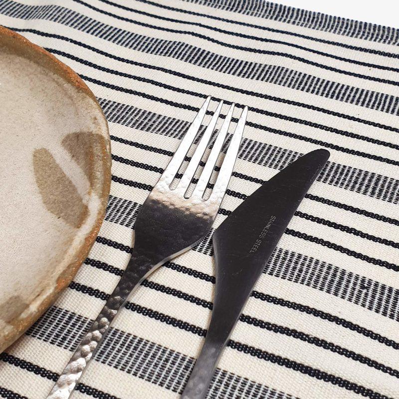 Tensira-set-de-table-rayures-noir-blanc-v1