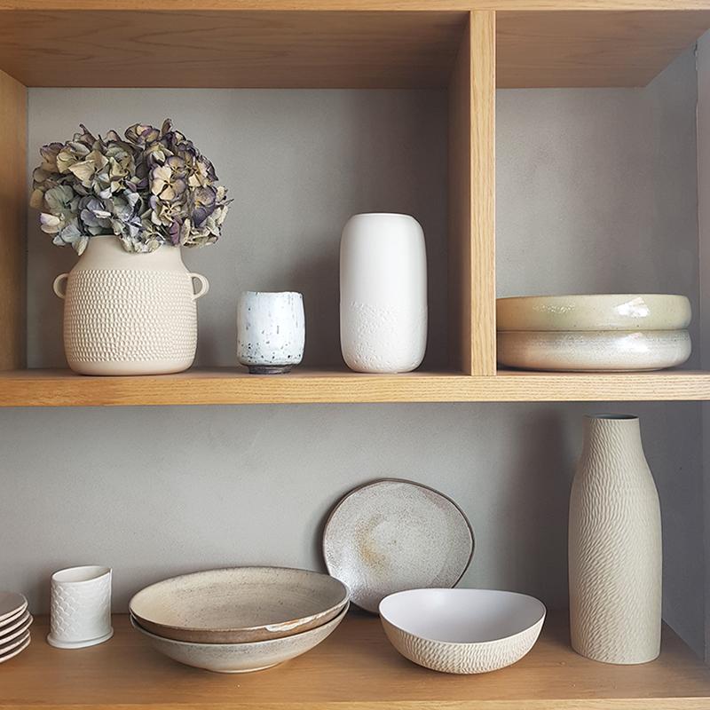 nous paris, sélection unique d'assiettes et plats en céramique, vaisselle de créateurs, assiette, plats, céramique contemporaine, objets d'artisans, boutique galerie