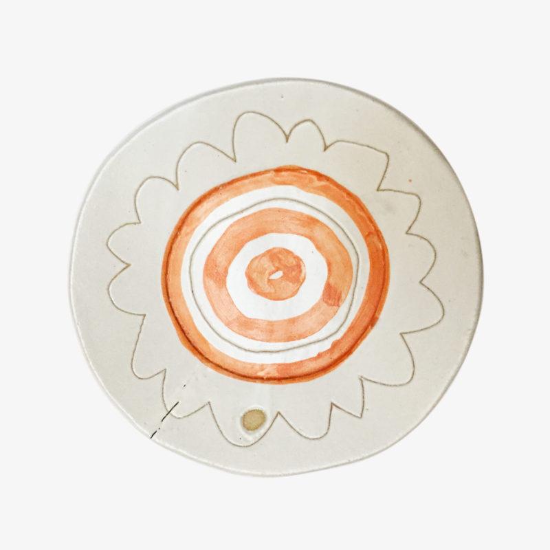 Quentin-Marais-assiette-fleur-en-gres-peint-a-la-main-multicolore-v1