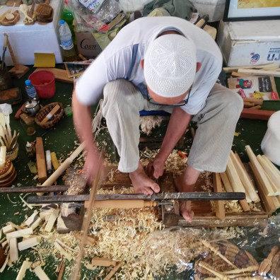 Ibrahim Tourneur sur bois