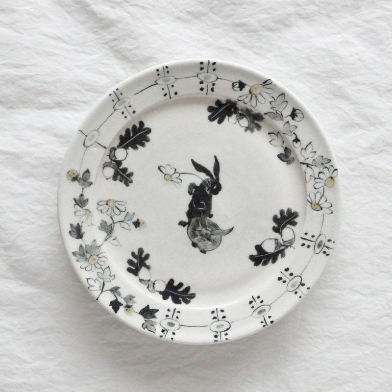 Akiko-Tanino-assiette-porcelaine-peinte-a-la-main-D-18cm-AT002-v1