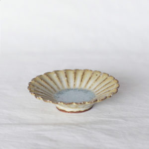 Petite assiette marguerite ceramique japonaise masahiko yamamoto