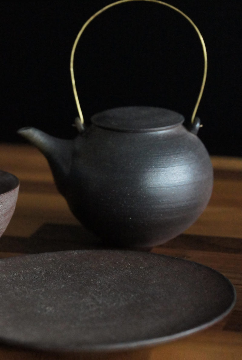 Theiere japonaise Ceramique brute japonaise cuite au bois sans email yakishime Mutsumi Ohashi