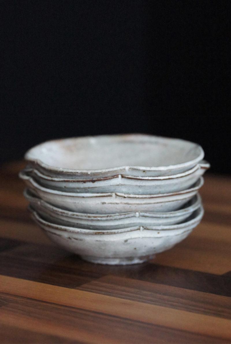Petite assiette fleur en ceramique japonaise