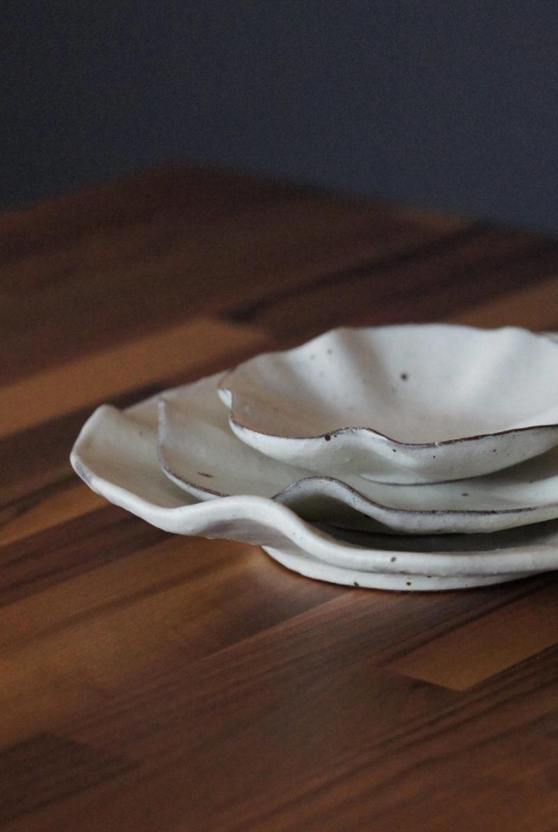 Petite assiette nenuphar ceramique japonaise