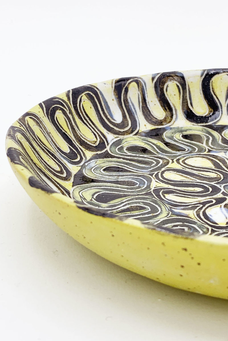 Assiette creuse en grès décorée a la main Vincent Verde