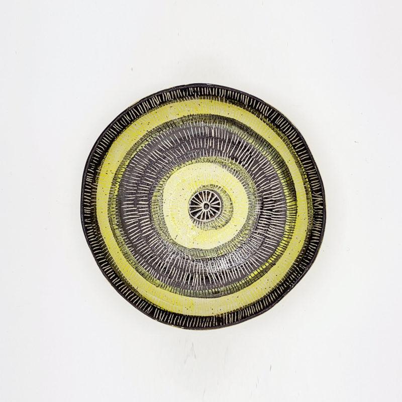Vincent-verde-petite-assiette-creuse-jaune-stries-v1