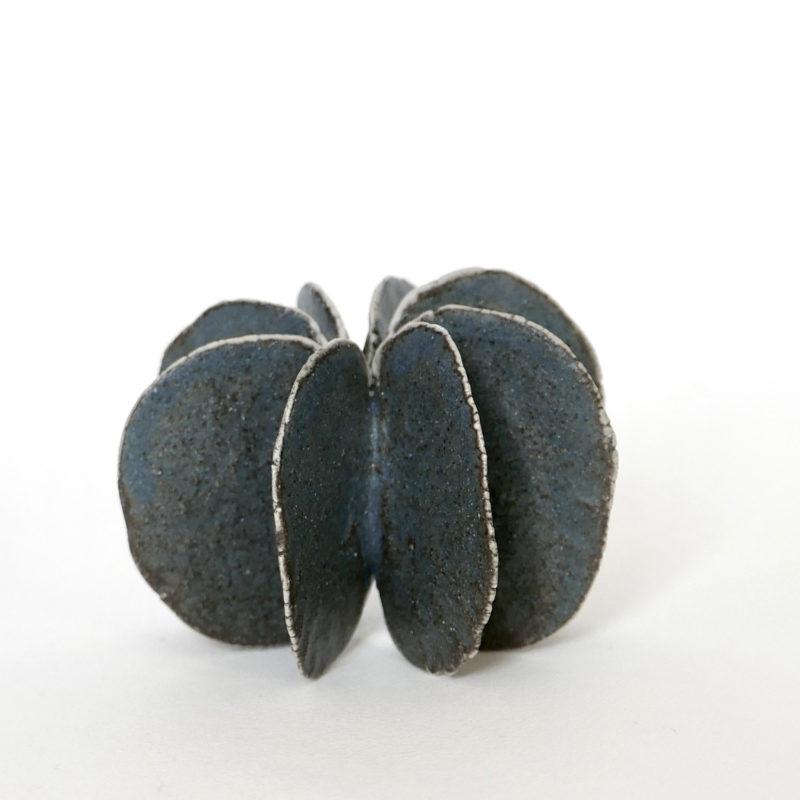 Motoko-Saigo-objet-etoile-bleu-1-v1